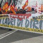 Glas Müller: presidio dei lavoratori sotto la sede della Cgil